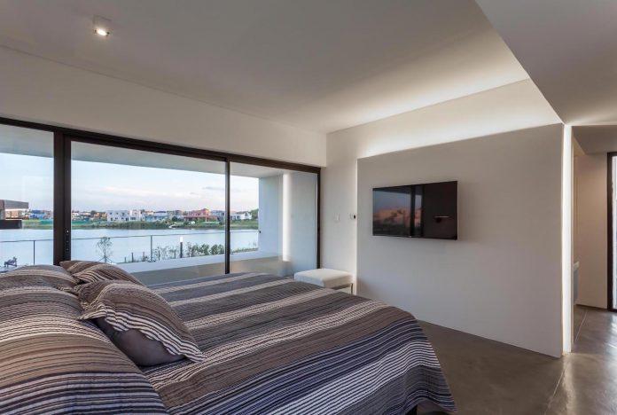 san-benito-house-besonias-almeida-arquitectos-22