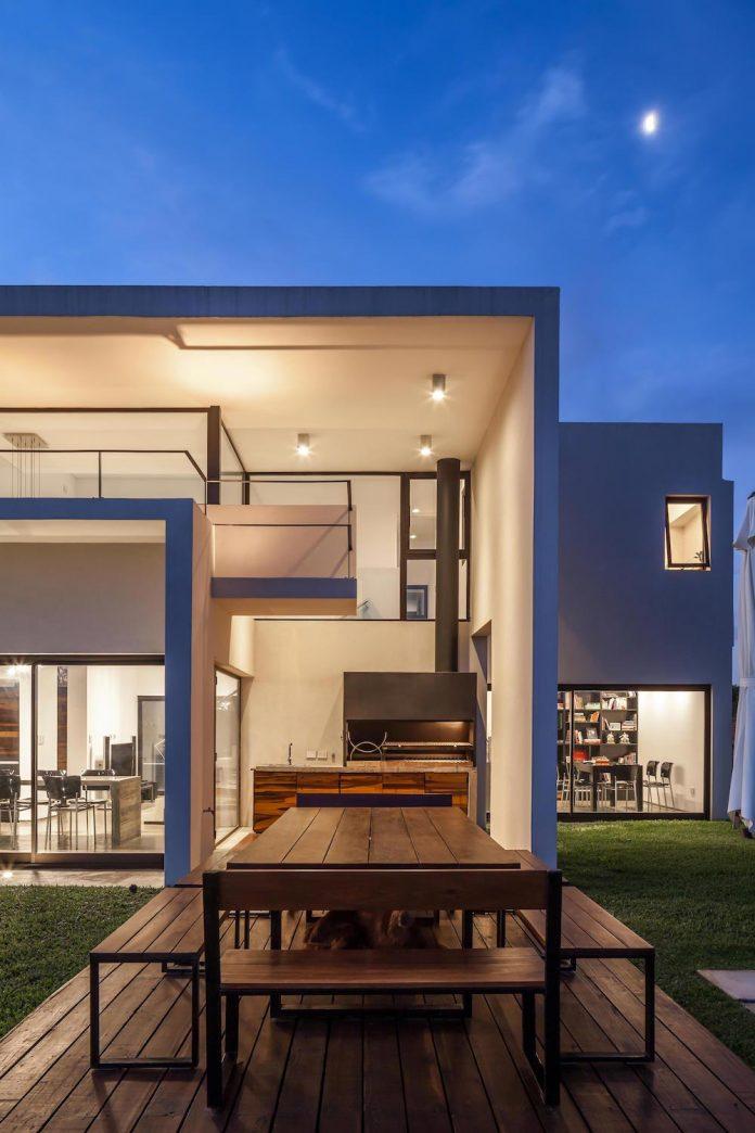 san-benito-house-besonias-almeida-arquitectos-29