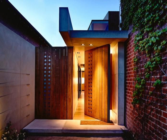 schulberg-demkiw-architects-design-beach-ave-villa-warm-contrast-established-concrete-hoop-pine-tallowwood-02
