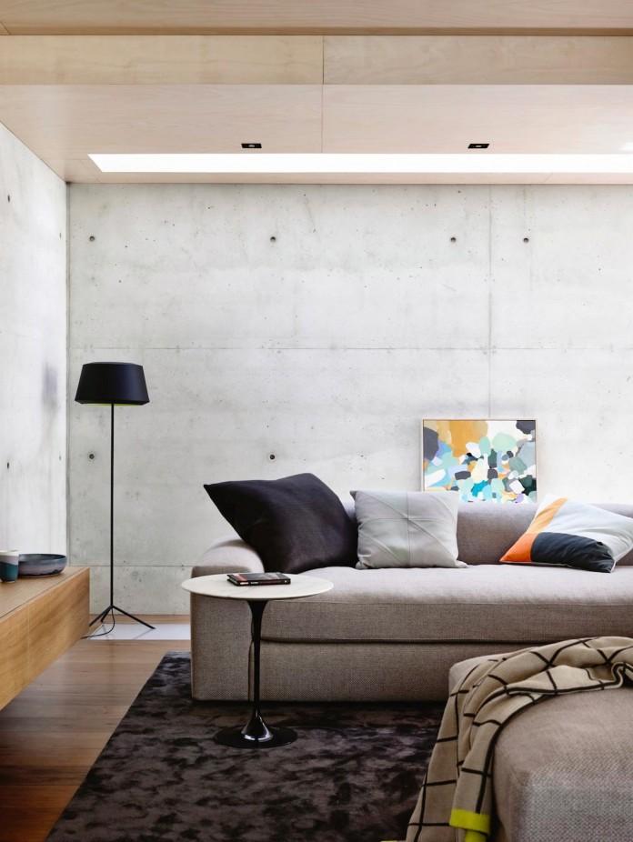 schulberg-demkiw-architects-design-beach-ave-villa-warm-contrast-established-concrete-hoop-pine-tallowwood-04