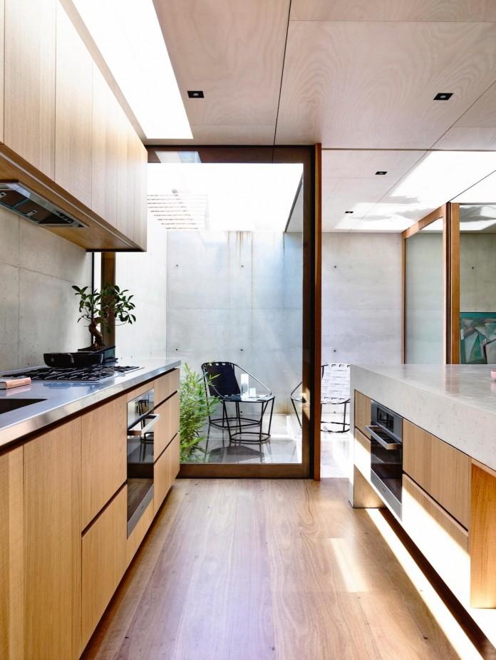 schulberg-demkiw-architects-design-beach-ave-villa-warm-contrast-established-concrete-hoop-pine-tallowwood-10