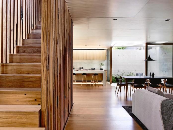 schulberg-demkiw-architects-design-beach-ave-villa-warm-contrast-established-concrete-hoop-pine-tallowwood-13