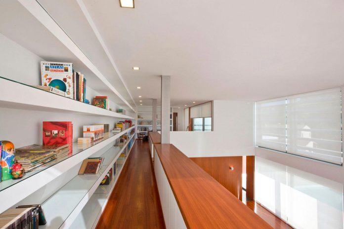 sg-house-atelier-darquitectura-j-lopes-da-costa-10