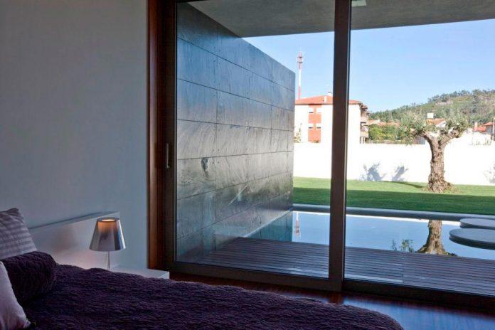 sg-house-atelier-darquitectura-j-lopes-da-costa-11