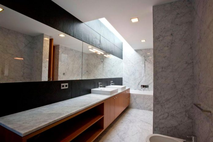 sg-house-atelier-darquitectura-j-lopes-da-costa-12