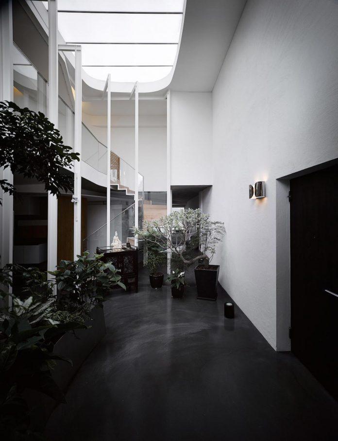sky-villa-top-floor-high-rise-building-downtown-taipei-cj-studio-02