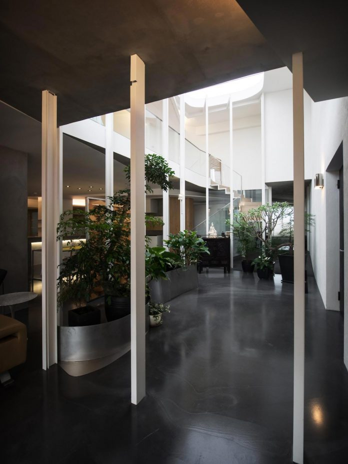sky-villa-top-floor-high-rise-building-downtown-taipei-cj-studio-03