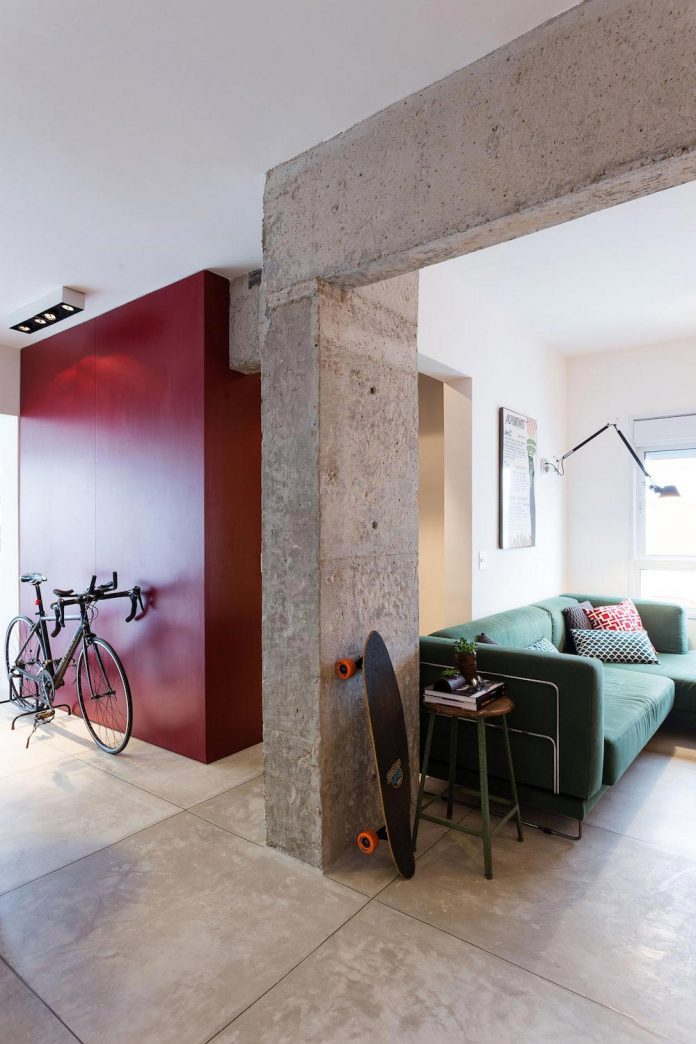 small-chic-alves-apartment-designed-rsrg-arquitetos-sao-paulo-brazil-05
