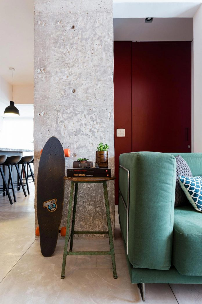 small-chic-alves-apartment-designed-rsrg-arquitetos-sao-paulo-brazil-06