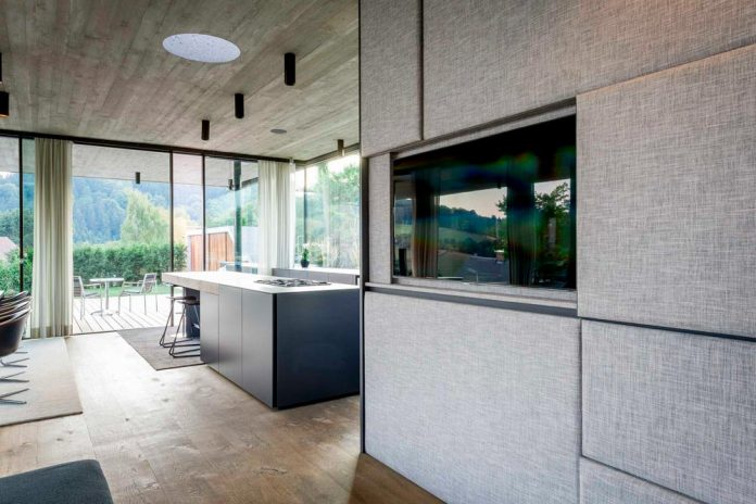 spectacular-views-linz-e-villa-designed-caramel-architekten-04