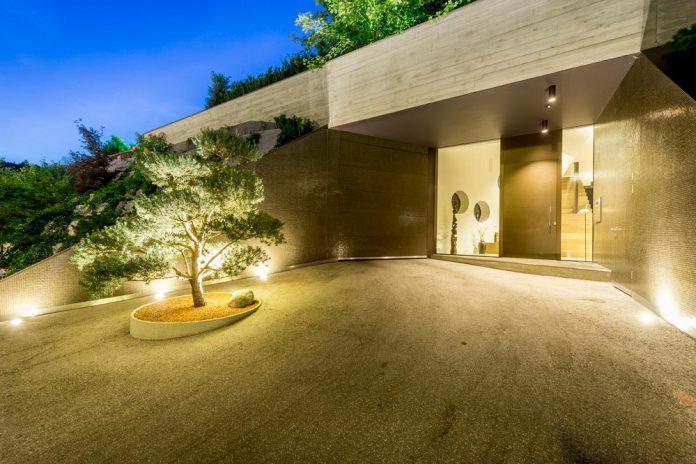 spectacular-views-linz-e-villa-designed-caramel-architekten-08