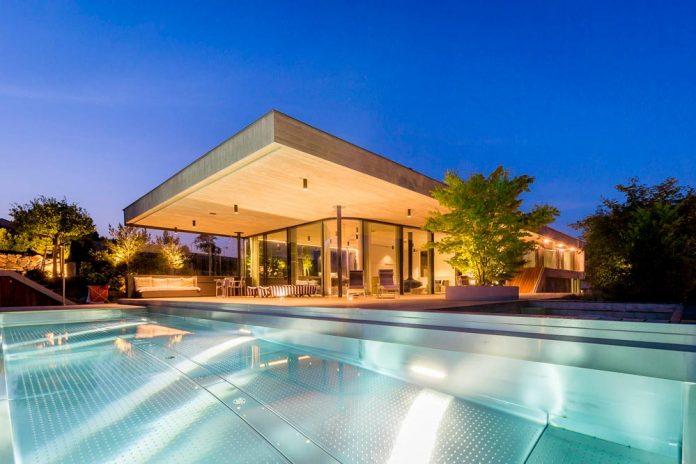 spectacular-views-linz-e-villa-designed-caramel-architekten-12