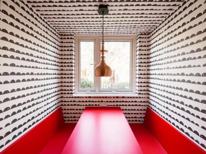 studio-alexander-fehre-design-apartment-filippo-colourful-484-square-foot-home-city-london-01