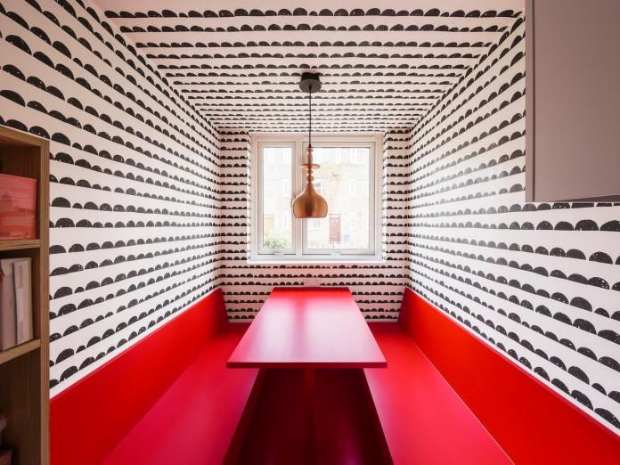 studio-alexander-fehre-design-apartment-filippo-colourful-484-square-foot-home-city-london-02