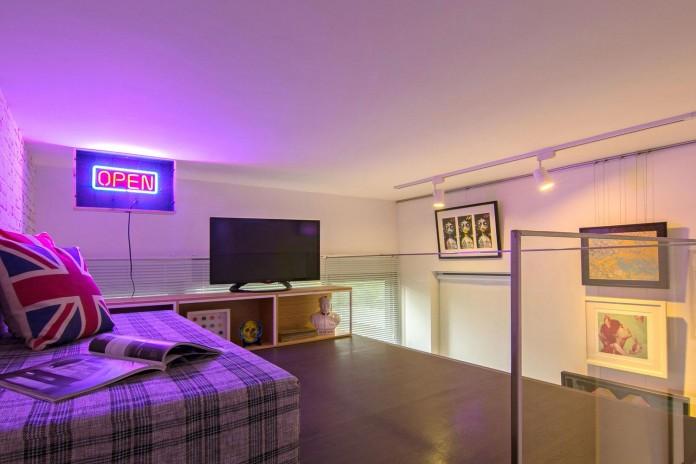 stylish-contemporary-loft-designed-singapore-knq-associates-17