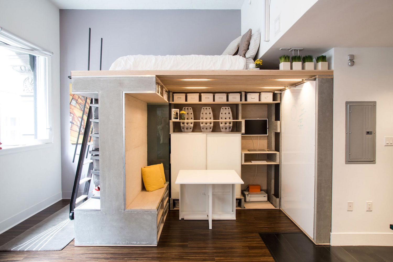 Tiny domino loft located in san francisco designed by - Foto mezzanine ...