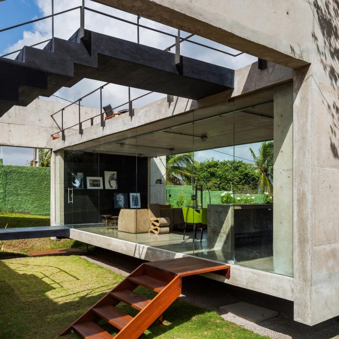 two-beams-four-pillars-house-yuri-vital-06