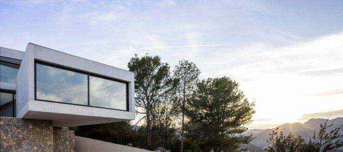 ultramodern-casa-laspre-nomarq-estudi-darquitectura-06