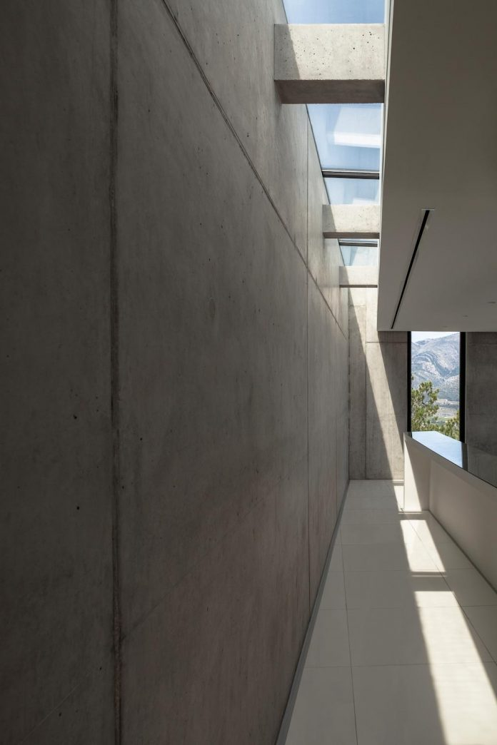 ultramodern-casa-laspre-nomarq-estudi-darquitectura-08