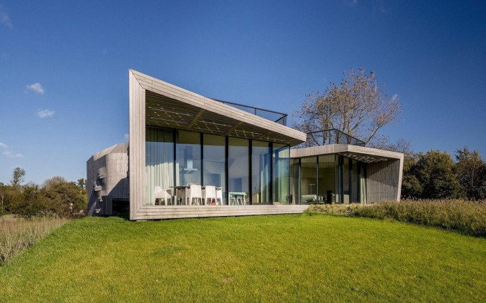 un-studio-design-w-n-d-villa-eco-friendly-netherlands-home-near-sea-02