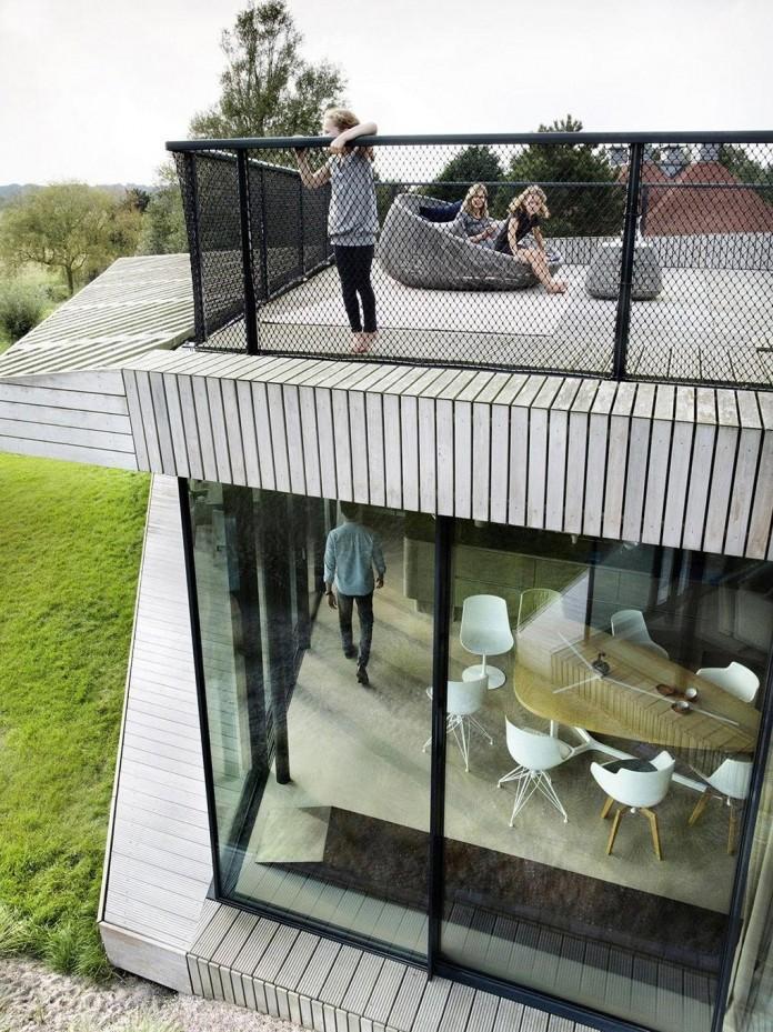 un-studio-design-w-n-d-villa-eco-friendly-netherlands-home-near-sea-05