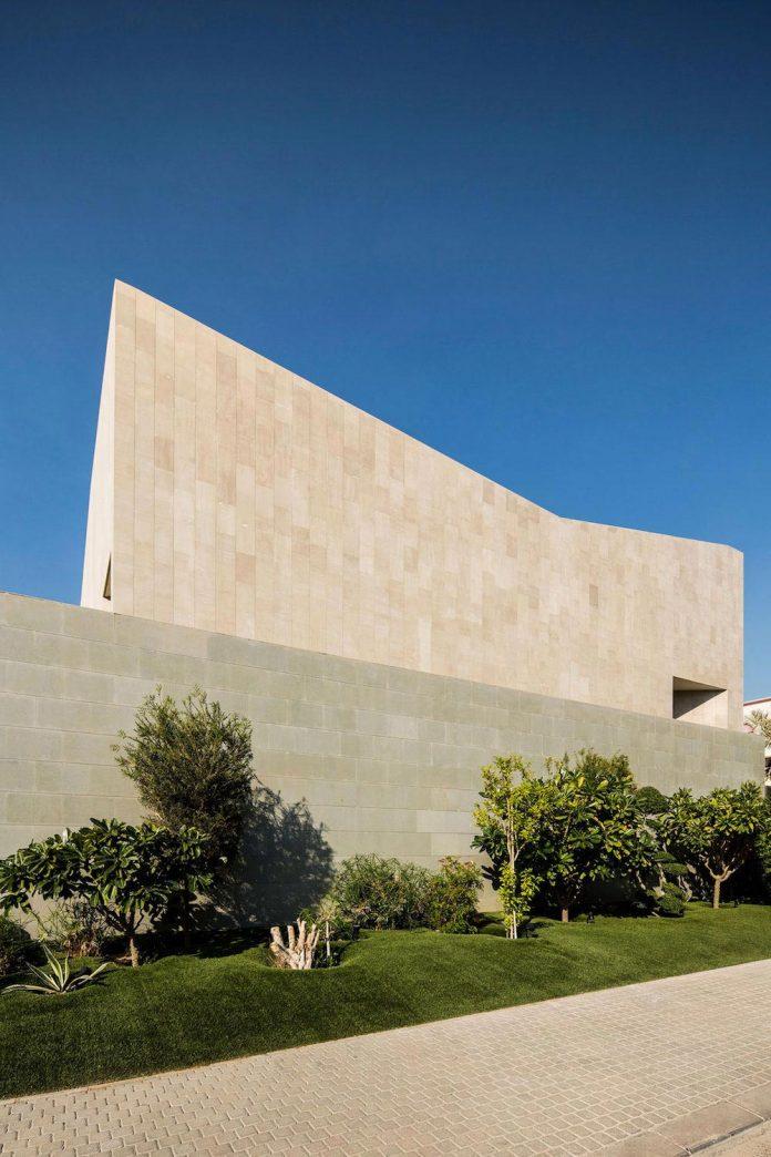 wall-house-agi-architects-02