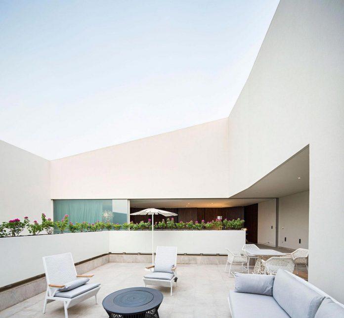 wall-house-agi-architects-06