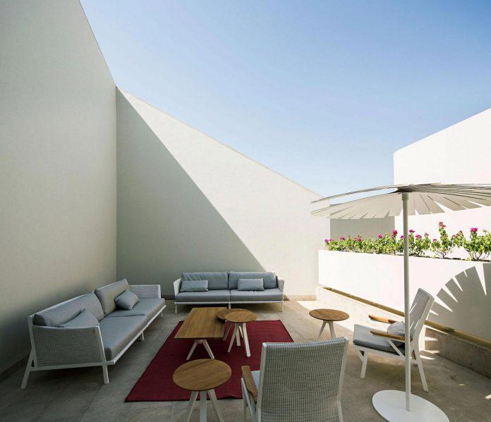 wall-house-agi-architects-07