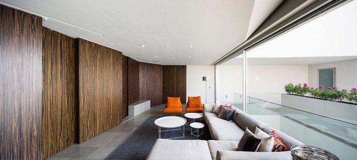 wall-house-agi-architects-12