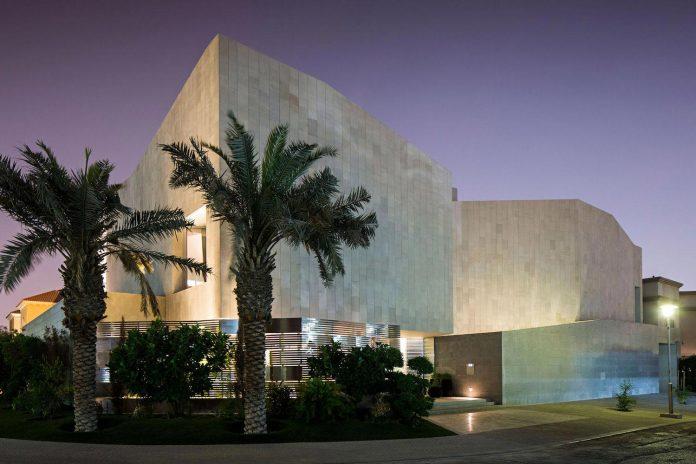wall-house-agi-architects-20