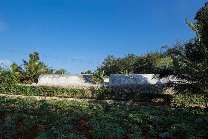 walls-vaults-villa-lijo-reny-architects-02