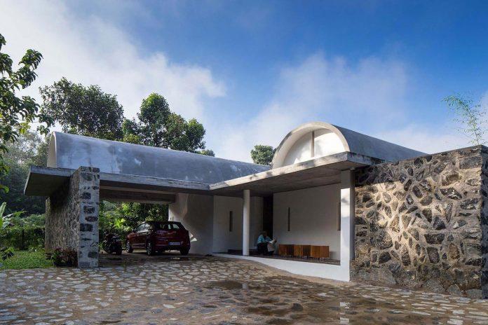 walls-vaults-villa-lijo-reny-architects-07