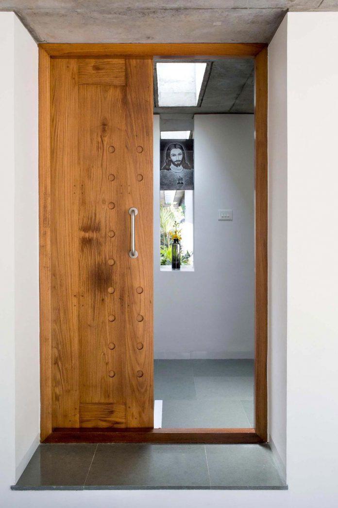walls-vaults-villa-lijo-reny-architects-09