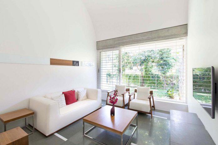 walls-vaults-villa-lijo-reny-architects-11