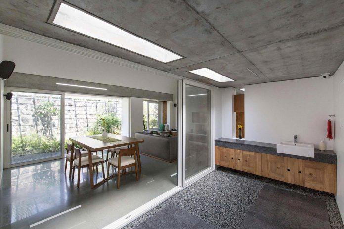 walls-vaults-villa-lijo-reny-architects-13