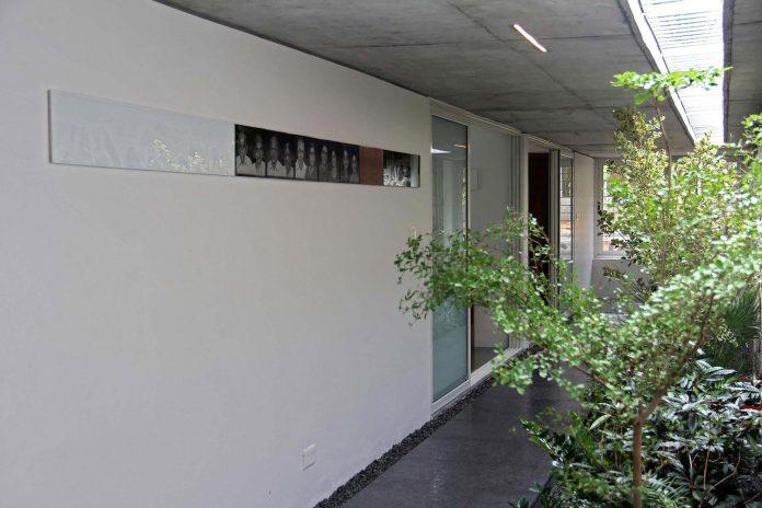 walls-vaults-villa-lijo-reny-architects-18