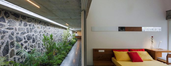 walls-vaults-villa-lijo-reny-architects-21
