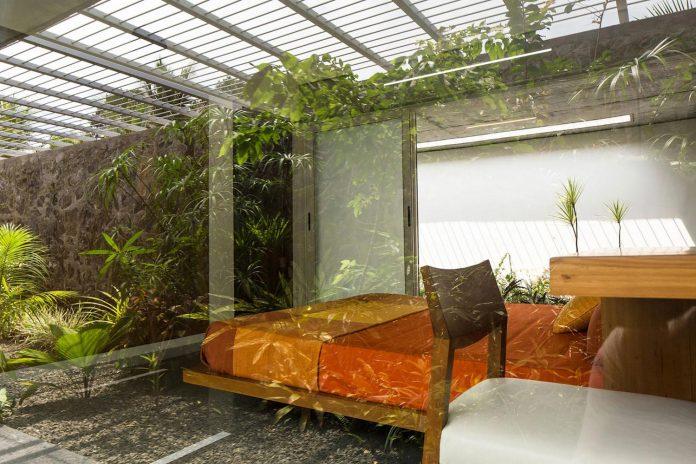 walls-vaults-villa-lijo-reny-architects-23
