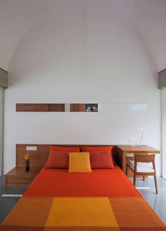 walls-vaults-villa-lijo-reny-architects-25