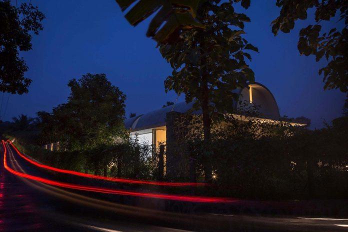 walls-vaults-villa-lijo-reny-architects-28