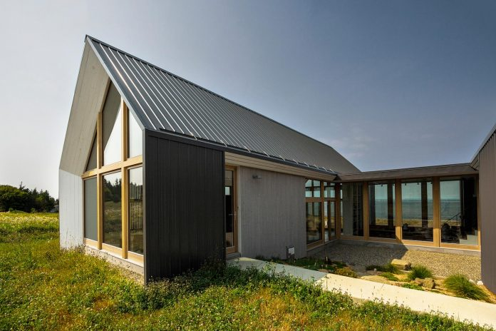 yh2-architecture-design-les-jumelles-two-small-buildings-linked-order-create-single-family-holiday-house-02