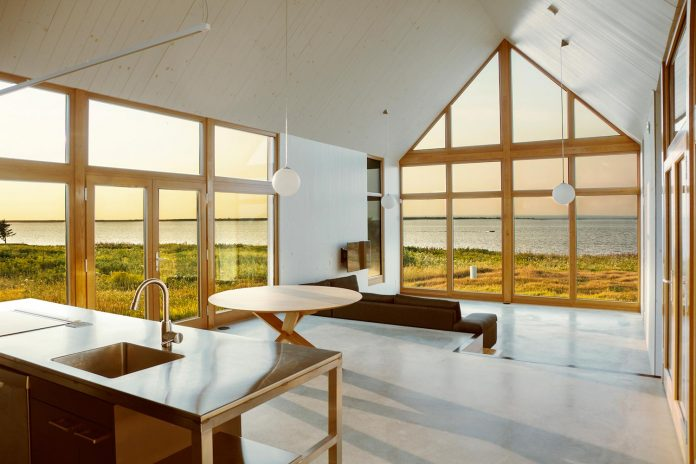 yh2-architecture-design-les-jumelles-two-small-buildings-linked-order-create-single-family-holiday-house-04