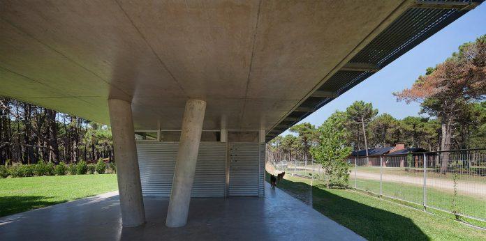 alamos-concrete-house-near-pinamar-buenos-aires-province-estudio-galera-03