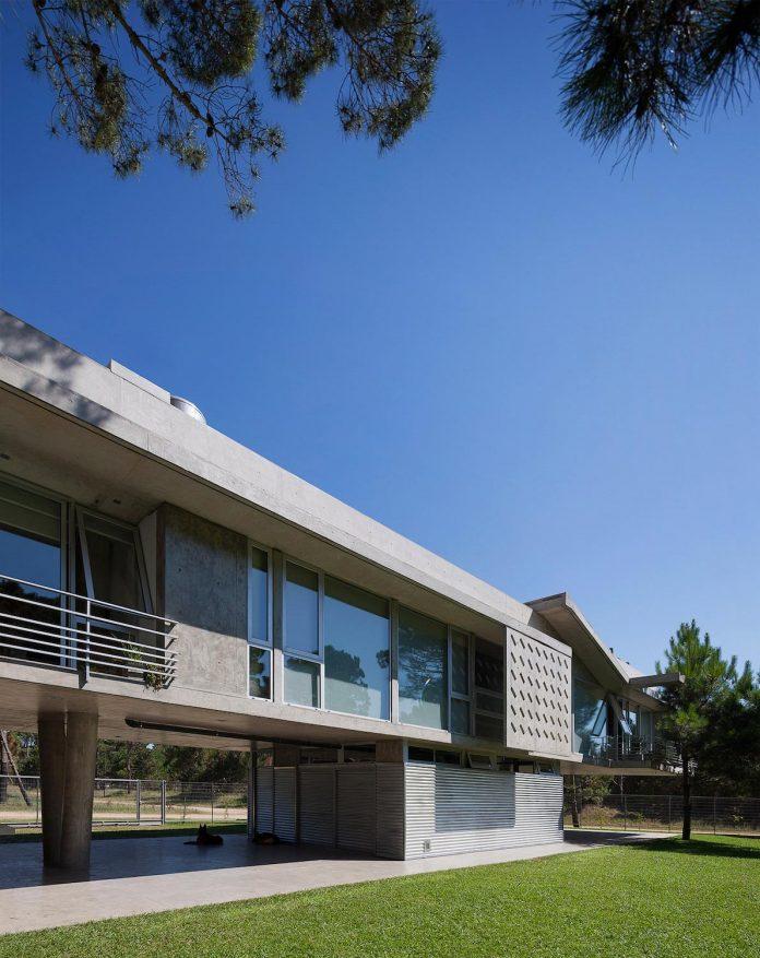 alamos-concrete-house-near-pinamar-buenos-aires-province-estudio-galera-05