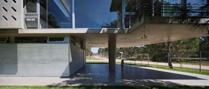 alamos-concrete-house-near-pinamar-buenos-aires-province-estudio-galera-07