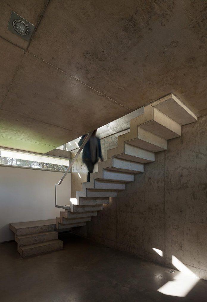 alamos-concrete-house-near-pinamar-buenos-aires-province-estudio-galera-08