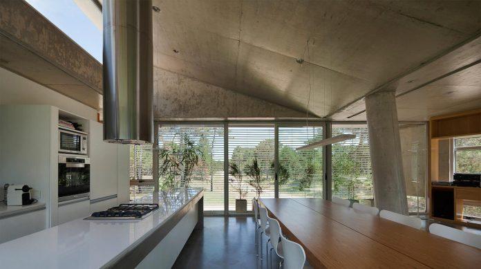 alamos-concrete-house-near-pinamar-buenos-aires-province-estudio-galera-09
