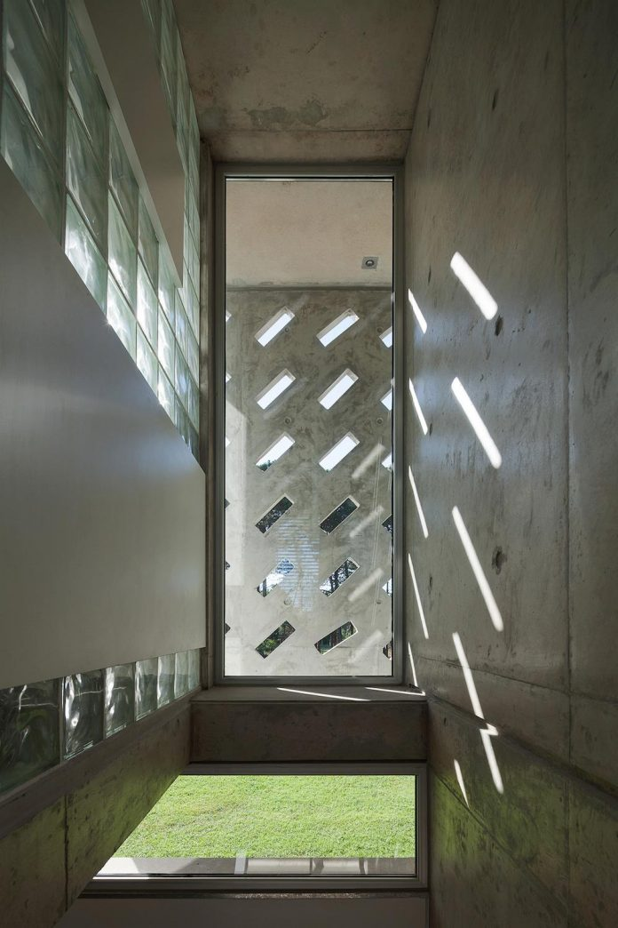 alamos-concrete-house-near-pinamar-buenos-aires-province-estudio-galera-10