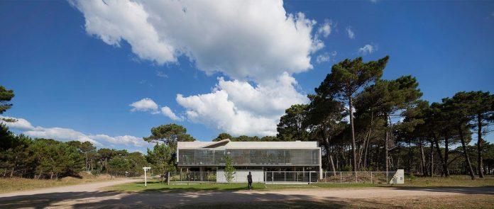 alamos-concrete-house-near-pinamar-buenos-aires-province-estudio-galera-12