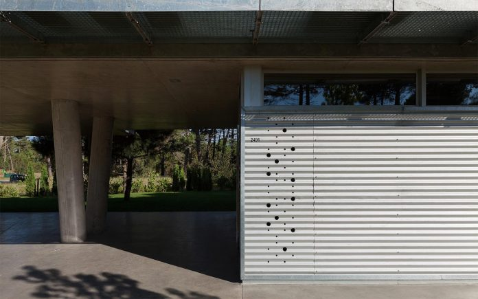 alamos-concrete-house-near-pinamar-buenos-aires-province-estudio-galera-15